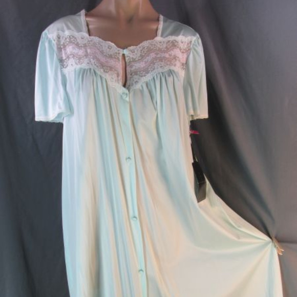 752dd252b5 Vanity Fair Mint Green Nylon Button Robe Nightgown